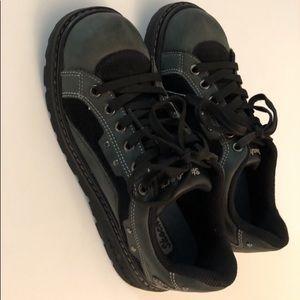 Sketchers women's size 7.5 lace up shoes